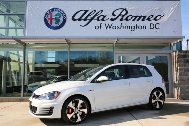 Pre-Owned 2017 Volkswagen Golf GTI Sport